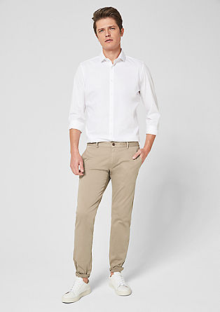 Slim: chino met stretch
