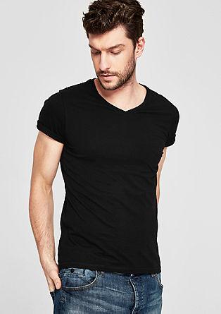 Slim: Basicshirt mit V-Neck