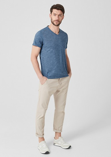 Shirt met V-hals en strepenstructuur