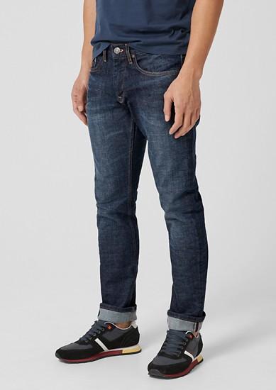 Close Slim: temne jeans hlače