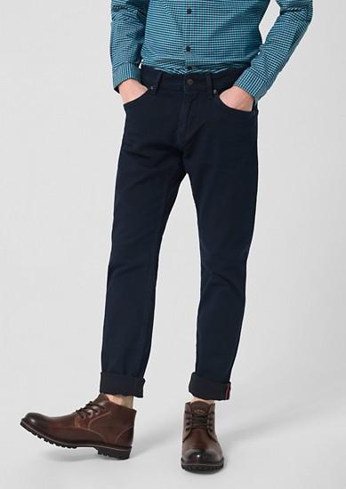 Stick Skinny: temne jeans hlače