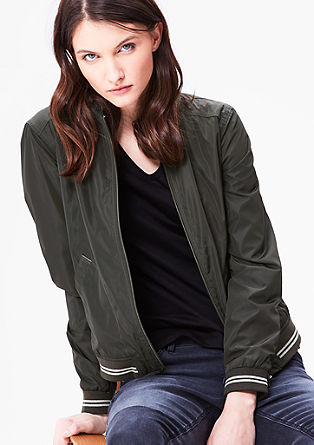 Lehká bluzonová bunda