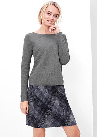 Kurzer Rippstrick-Pullover