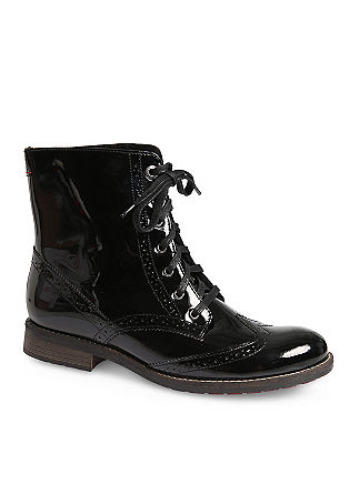Lackleder-Boots im Brogue-Style