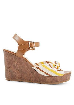 Klinaste sandalete z detajlom vozla