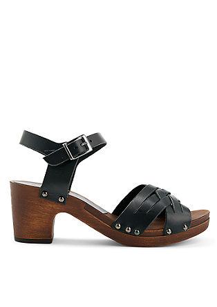 Sandali z usnjenimi paščki