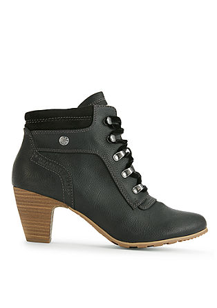Booties met hak, in een bergbeklimmer-look