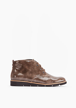 Elegantni lakasti čevlji z vezalkami