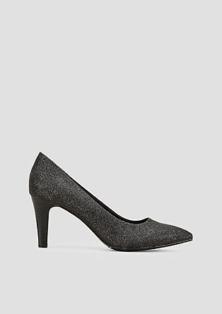 Puntige pumps