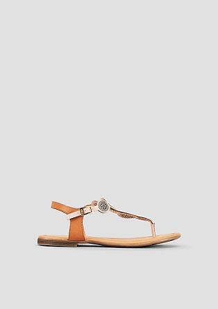 Sandalen mit Ethno-Muster