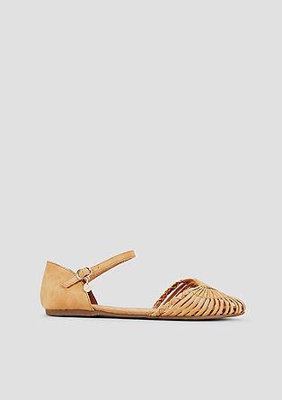 Sandalen mit filigranen Riemen