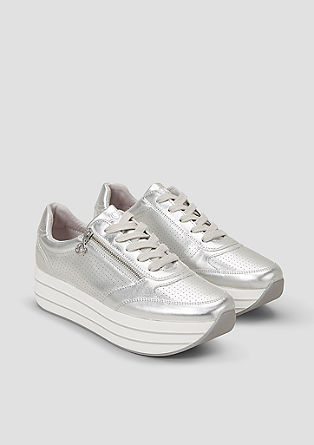 Športni čevlji s plato podplatom