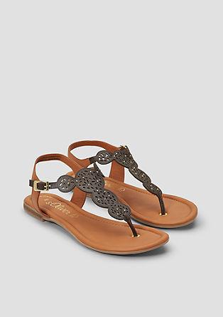 Usnjeni sandali z okrasnimi biseri