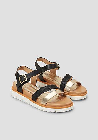 Trendovski sandali z belim plato podplatom
