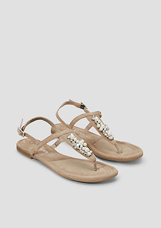 Leren sandalen met sierlijke details