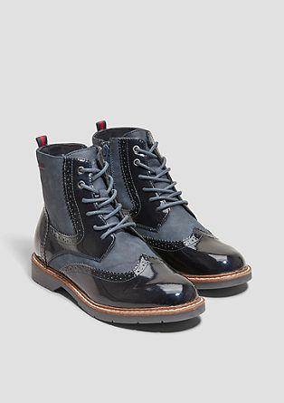 Boots met gatenpatroon