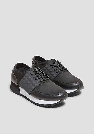 Športni čevlji iz različnih materialov