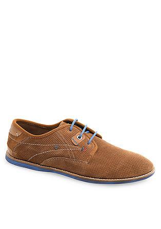Schuhe aus perforiertem Veloursleder