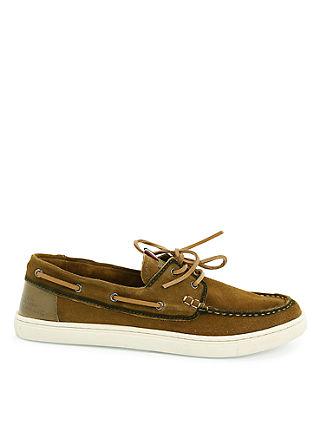 Usnjeni čevlji v videzu mokasinov