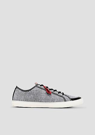 Lichte sneakers van textiel