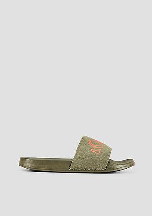 Lahki čevlji za na plažo z logotipom