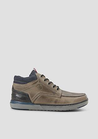 Visokokakovostni usnjeni čevlji z vezalkami
