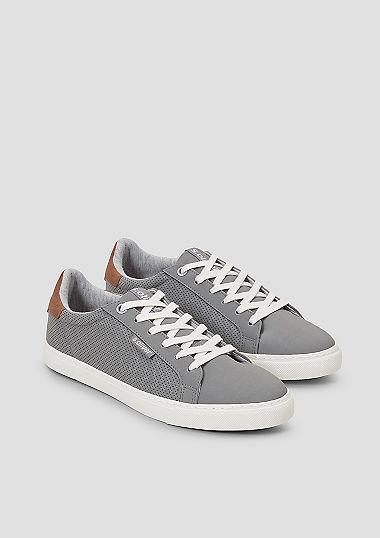 Sneaker im Fabric-Mix