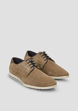 usnjeni čevlji s teksturo in vezalkami