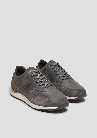 Sneaker aus Velours- und Glattleder