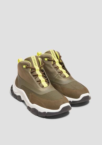 Hoge sneakers met neonkleur