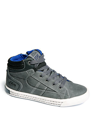 Hohe Sneaker