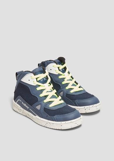 Gefütterte High Sneaker