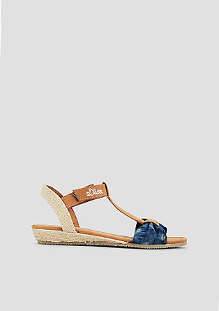 Sandalen mit Textil-Riemen