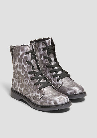 Boots im Animal-Look
