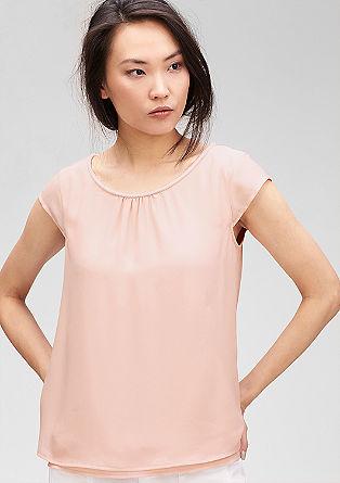 Dekoriertes Layer-Shirt