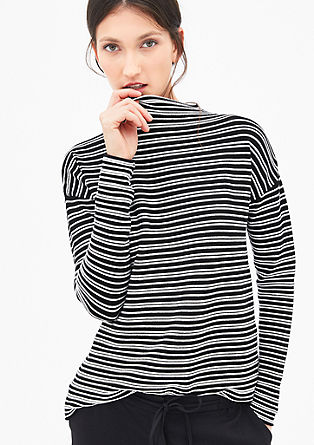 Gestreifter Pullover mit Zipp-Detail