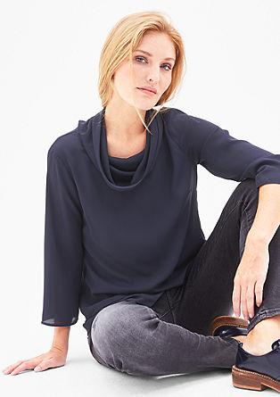 Večslojna bluza iz krepa