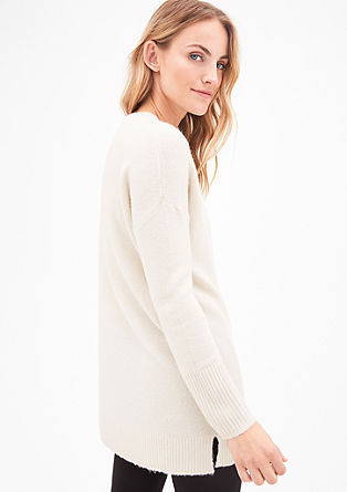 Dlouhý pulovr sširokými náplety