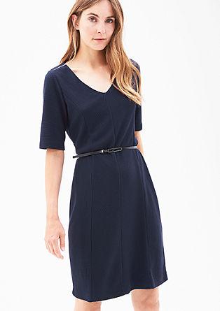 Obleka v rebrastem dizajnu