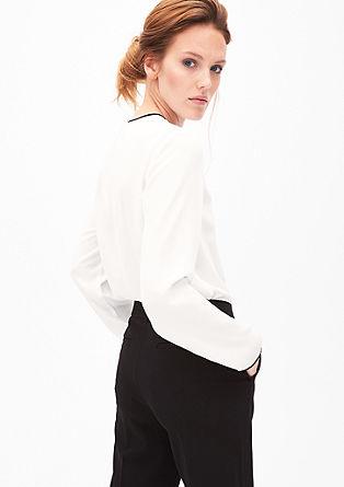 Ženstvena bluza iz krepa