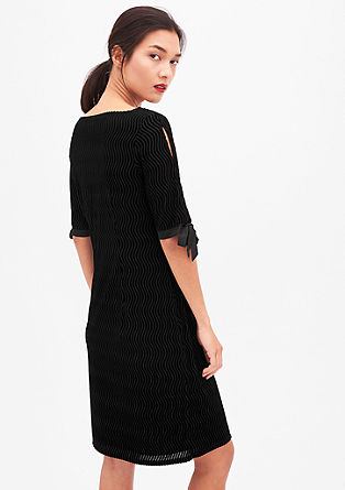 Luxusní šaty svypalovaným efektem