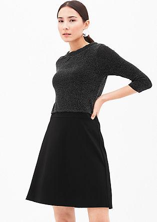 Elegantna svetleča raztegljiva obleka