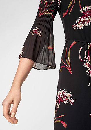 Chiffon jurk met geplisseerde mouwen