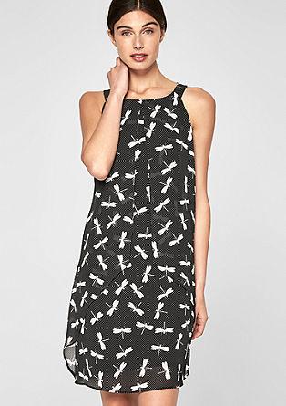 Šifonové šaty svrstveným vzhledem