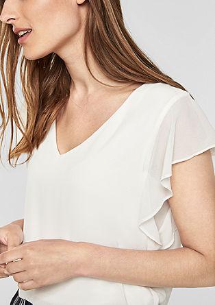 Lepo padajoča majica z volančki na rokavih