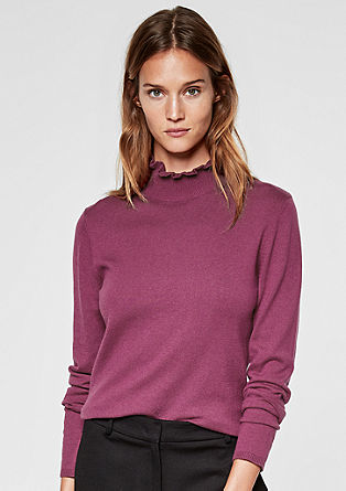 Lahek pleten pulover z nabranim ovratnikom