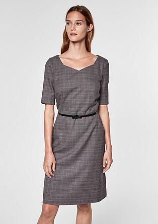 Šaty sglenčekovým vzorem