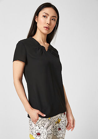 Crêpe blouse met hartvormige hals