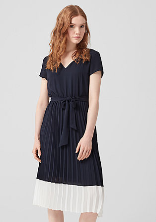Crêpe dress with a pleated skirt from s.Oliver