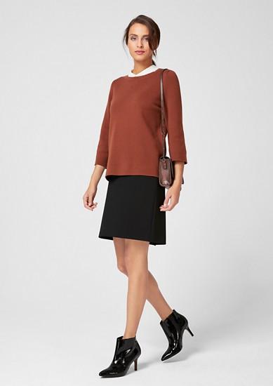 strečová sukně s proužkovaným pasem